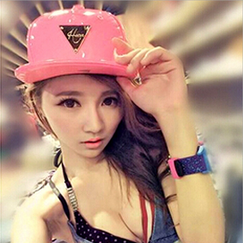 12.32$  Watch here - http://vicib.justgood.pw/vig/item.php?t=xrrxs68849 - Fashion Hip-Hop Hat Print Leather Fluorescent Triangle Causal Hats Baseball Cap 12.32$