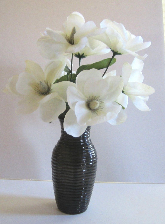 Black vase white flowers class vase pinterest white flowers black vase white flowers class reviewsmspy