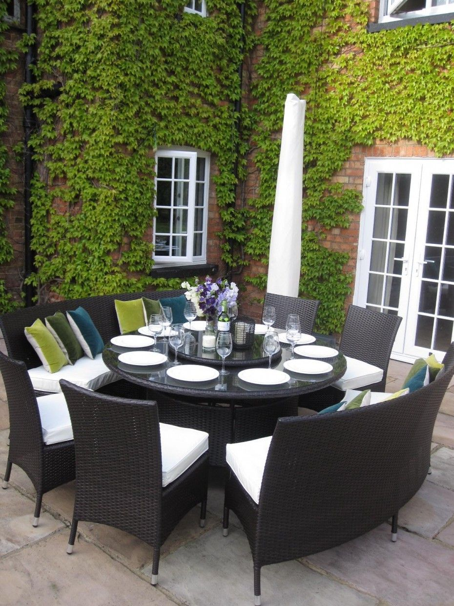 Black Wicker Chairs Set With White Upholstered Seats For