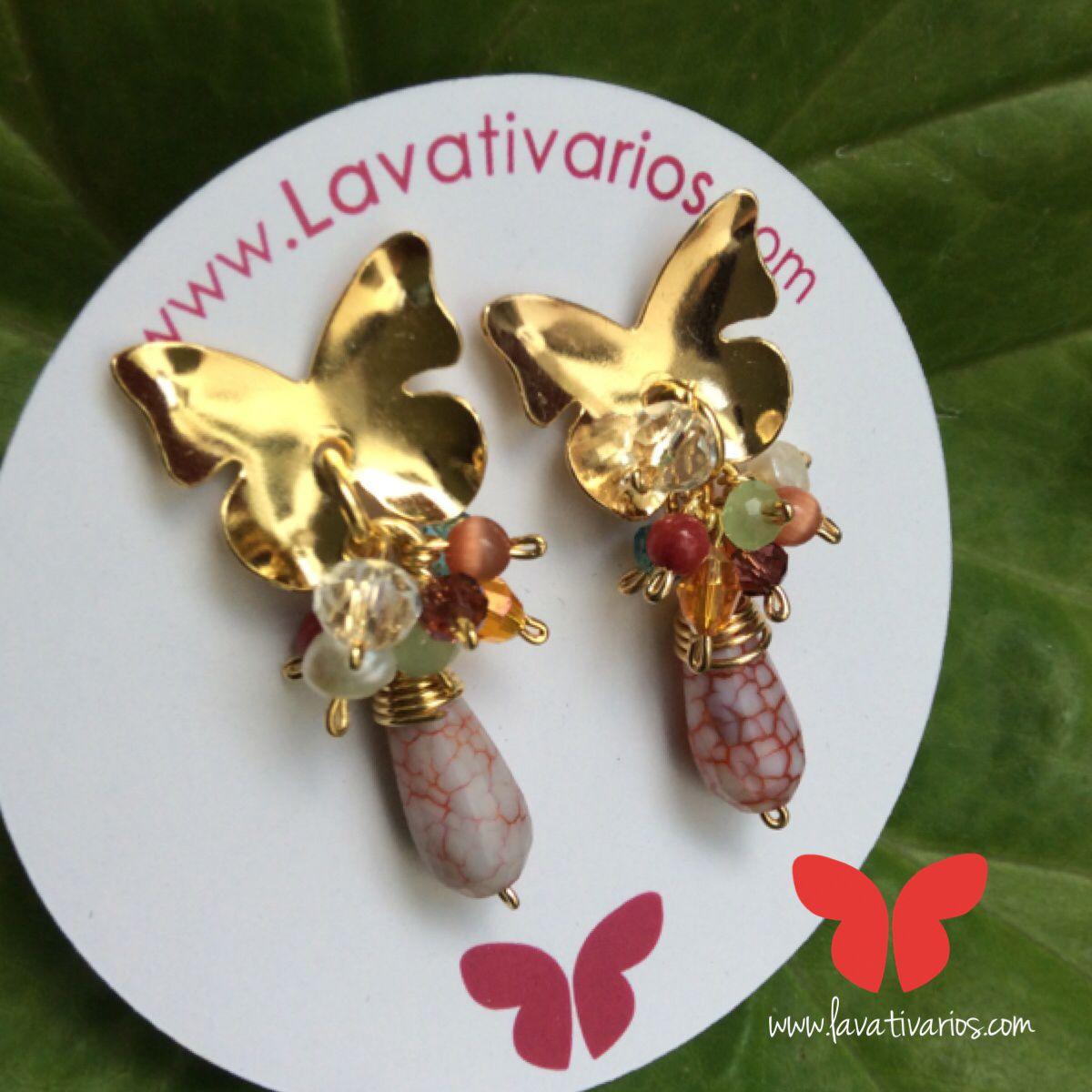 Zarcillos mariposa. #piedras #cristales #handmade #bañadosenoro #orafo #jewelry #metalsmith #metalwork #Lavativarios #OrgullosamenteDiseñadosenVenezuela   Info: www.lavativarios.com Info@lavativarios.com