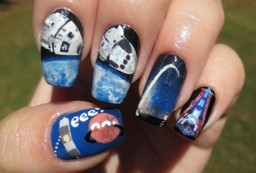 Space exploration nails by Kristen Fredriksen (@neskirderf), inspired by Mars MAVEN; Boeing + SpaceX NASA partnerships; Dragon launch; ISS Expedition 41.