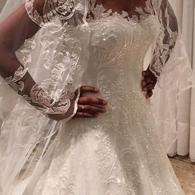 Detalhes do vestido Paulo Dolce para a Linda Marcia... Casamento em Angola.
