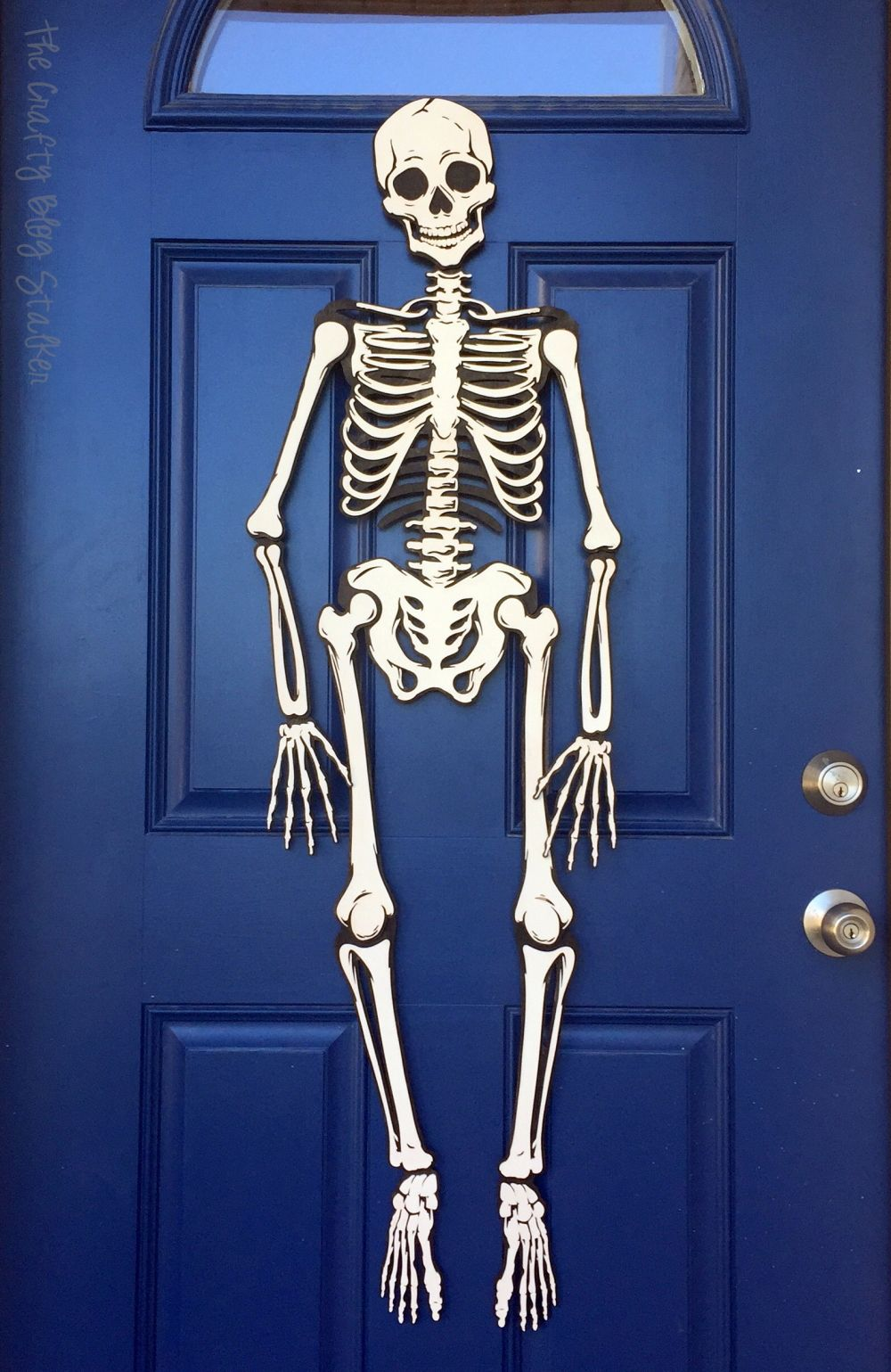 How to Make a Skeleton Halloween Decoration for the Front Door - front door halloween decorations