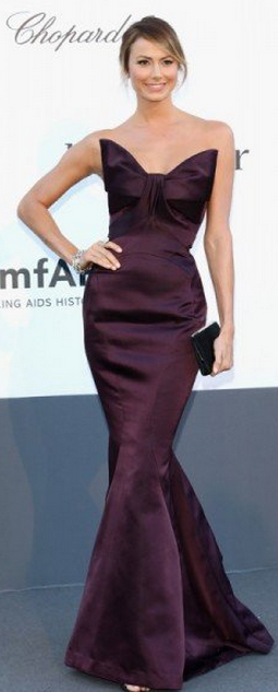 Who made Stacy Keiblers purple strapless gown and jewelry that she wore in Cannes?