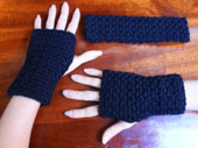 Free crochet fingerless gloves patterns simple crochet wrist crochet stylish fingerless gloves and wrist warmers with these free patterns simple crochet fingerless gloves dt1010fo