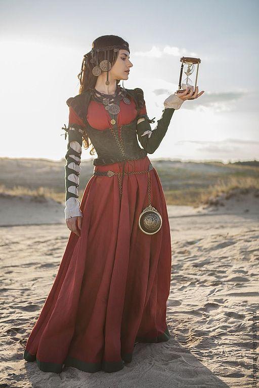 60e6f02f8c27 Купить Средневековый костюм  верхнее платье, рубашка и корсет