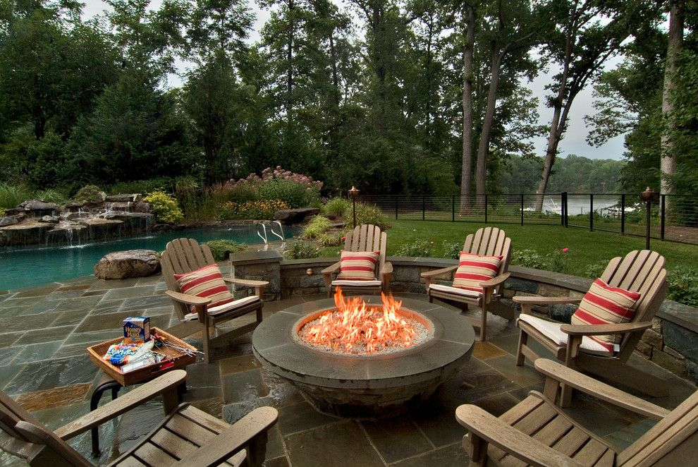 The Cast Iron Bbq Fire Pit Is An Equipment That Is Meant To Provide The Customers With The Ultimate Satisfactio Fire Pit Backyard Backyard Fire Fire Pit Chairs