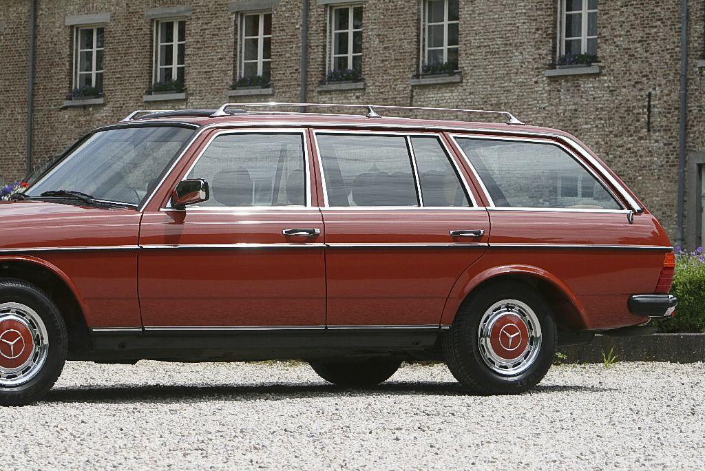 Ruyl ClassicsMercedes 230TE W123 Kombi - june 1984   Brand Mercedes Type 230TE W123 Kombi Motor 4cyl 2276cc 100kw/136hp gasoline, manual transmission 4 gears Mileage 103.176 km Year June 1984 Colour Exterior 585 Altrot, interior Nadelstreifen beige fabric Price € 21.000,00