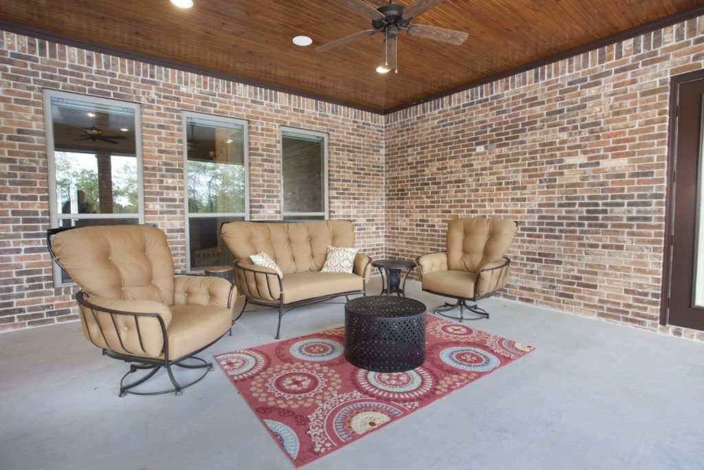 Warren Home outdoor living room Bayless Custom HomesTyler ... on Warrens Outdoor Living id=43656