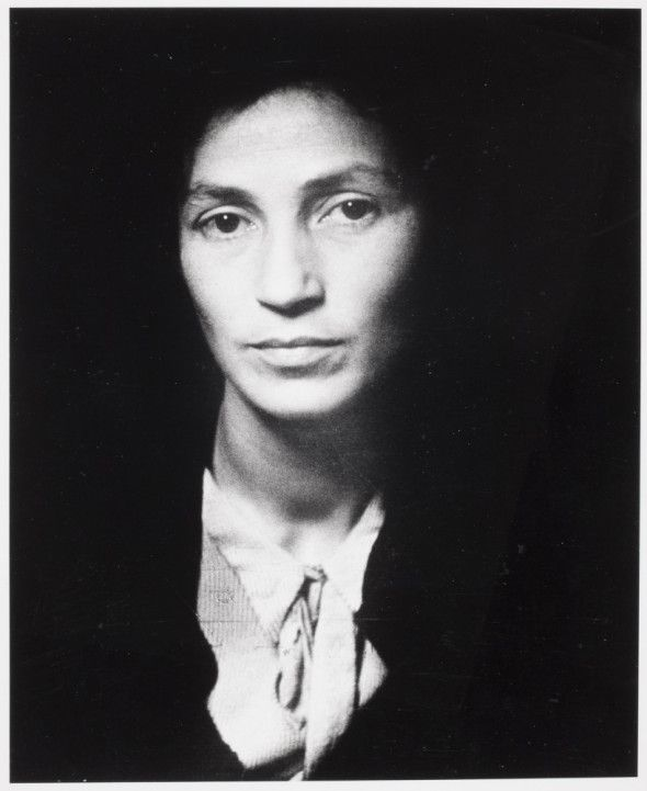 """""""Ma soeur Mindla Maria Diament, résistante française, prisonnière N.N (Nuit et Brouillard) décapitée à Breslau"""", 1942 - Julia Pirotte"""
