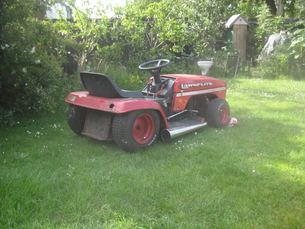My Mtd Slammed Rat Ish Rod New Uk Member Lawn Mower Racing Lawn Mower Tractor Lawn Mower Storage