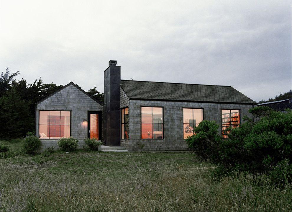 modern cedar shingle beach houses dark window trim - Google Search & 7 best window frame colors beach house images on Pinterest ...