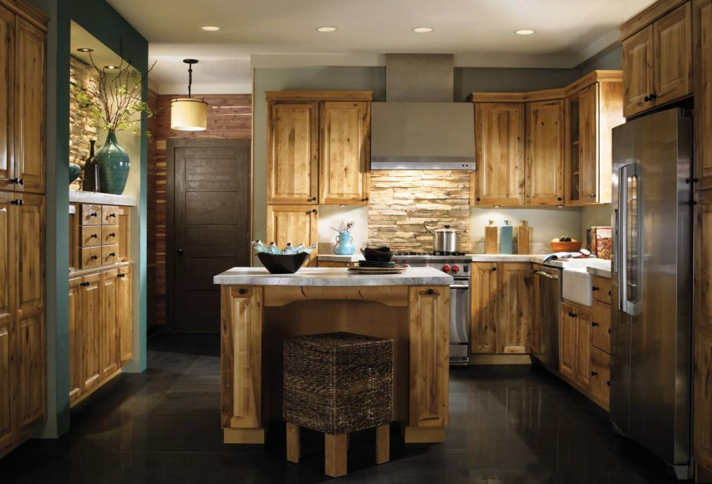 Kitchen Design Cabinet Unique Rustic Hickory Kitchen Cabinets  Cabin Hickory Cabinet Kitchen Design Ideas