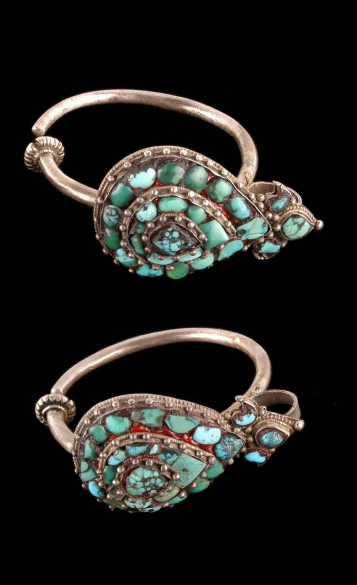 Tibet | Woman's earrings; silver and turquoise. // ©Quai Branly Museum. 71.1988.41.4.1-2