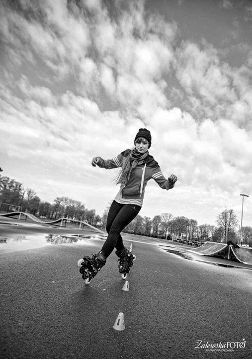 freestyle slalom skating / rollerblade twister