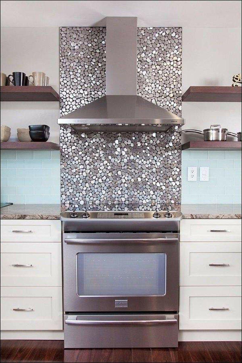mosaik küchenspiegel | rote küchenrückwand aus satiniertem