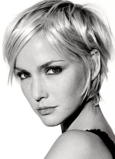 frisuren blond kurz frisuren pinterest pixie haarschnitt kurze blonde haare und feines haar. Black Bedroom Furniture Sets. Home Design Ideas
