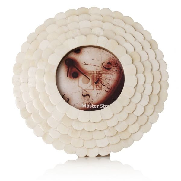 Astrid Small Round Frame £15.95 Oliver Bonas 20 cm outer - 8.5 cm ...