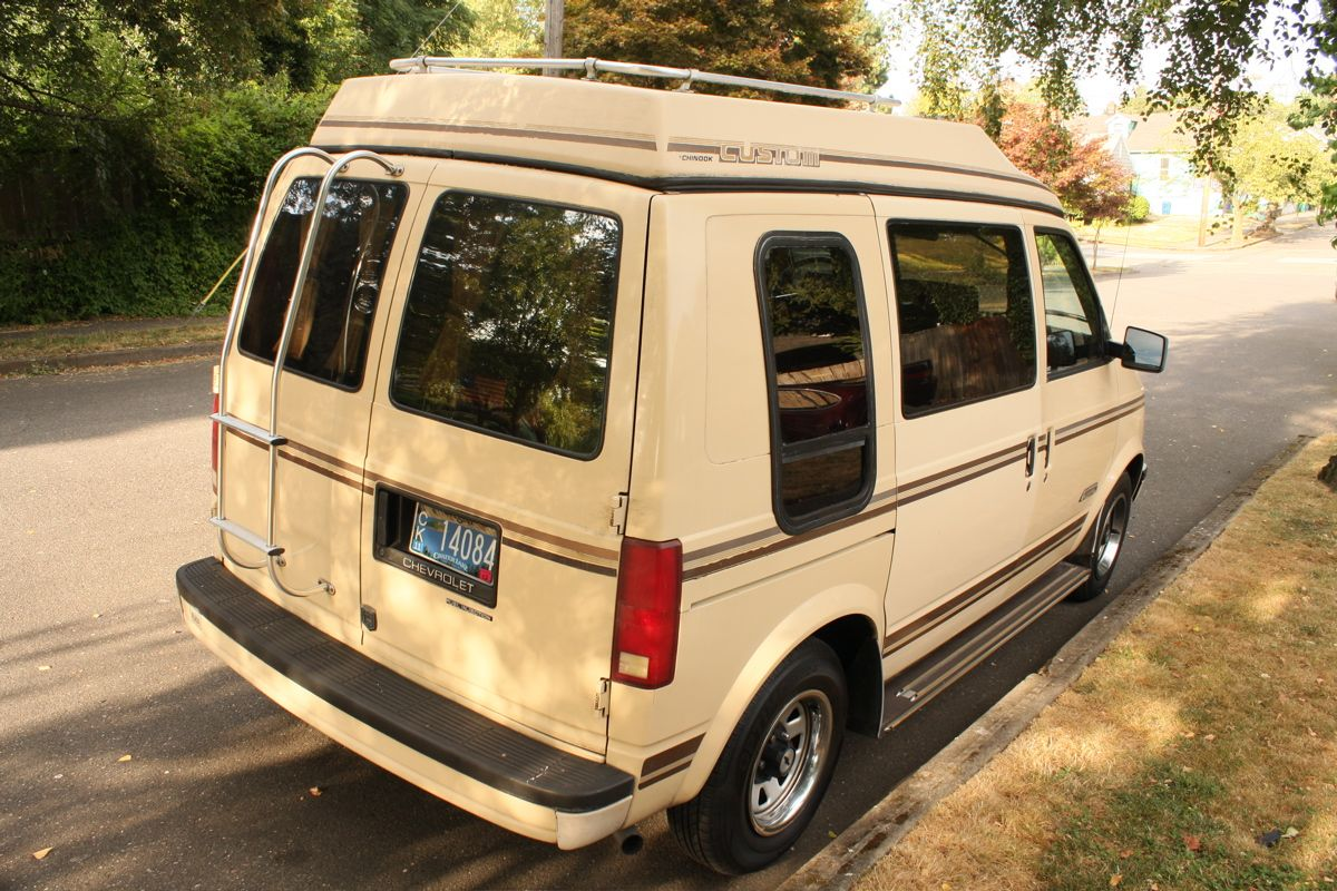 1989 chevrolet astro van chinook custom camper 02 jpg 1200 800 chevrolet pinterest campers classic cars and dream cars