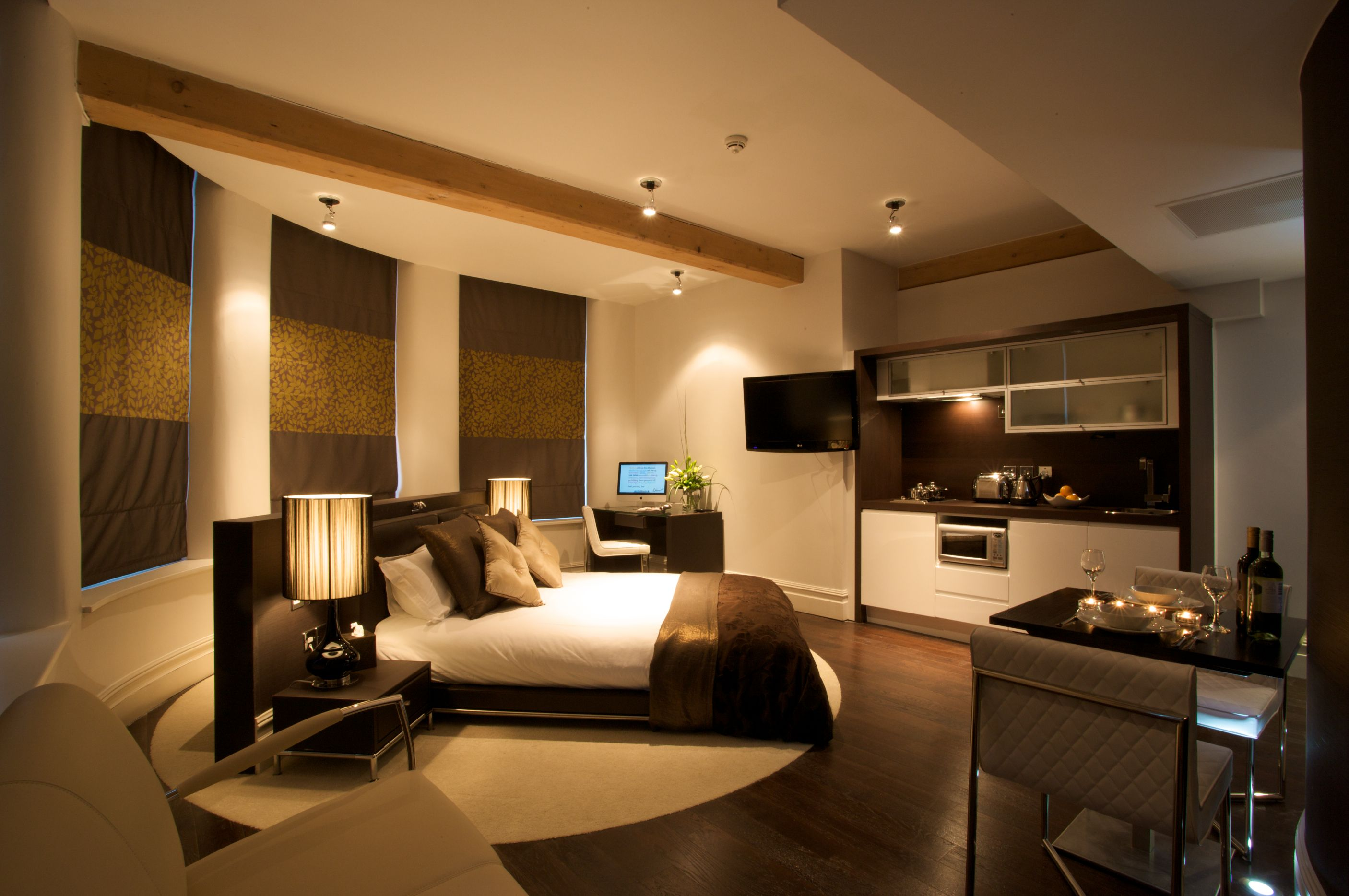 Elegant Hotel In Manchester U0026 Serviced Apartments In Manchester   Roomzzz Aparthotel