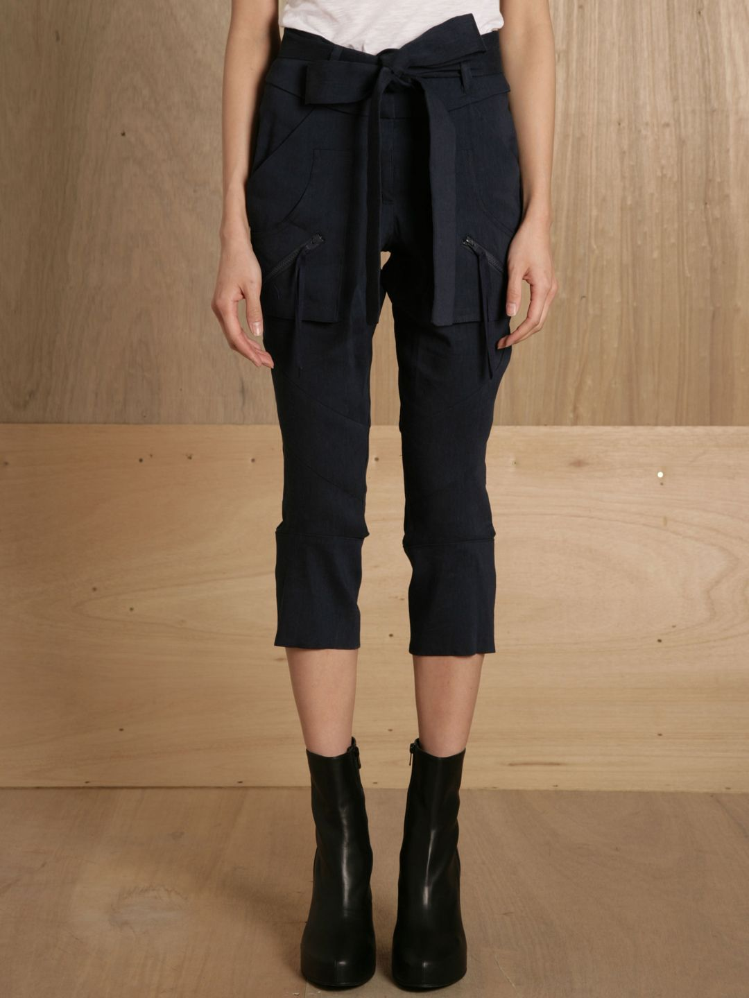 cropped slim trousers--Ohne Titel