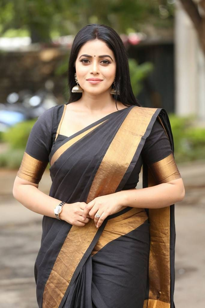 Beautiful Kannur Girl Poorna In Transparent Black Saree | Things to