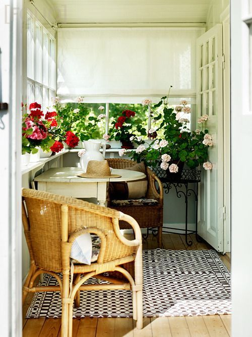 Top 27 Diy Ideas How To Make A Perfect Living Space For Pets: Home Interior Design — Sunroom/hall Coming Into The House From The Side...