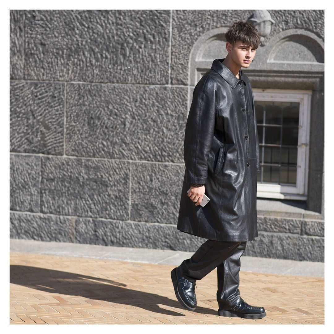 #LubakiLubaki  #AlexandreGaudin  Man During #CPHFW  www.lubakilubaki.com  #StreetStyle #Man #Photo #NoFilter #Style #Look #Black #Dark #Outfit #MensWear #SreetWear #ReadyToWear #Mode #Fw #Fashion #FashionWeek #CopenhagenFashionWeek #SS17 #CPHFW16 #Denmark http://ift.tt/2bMDDOv