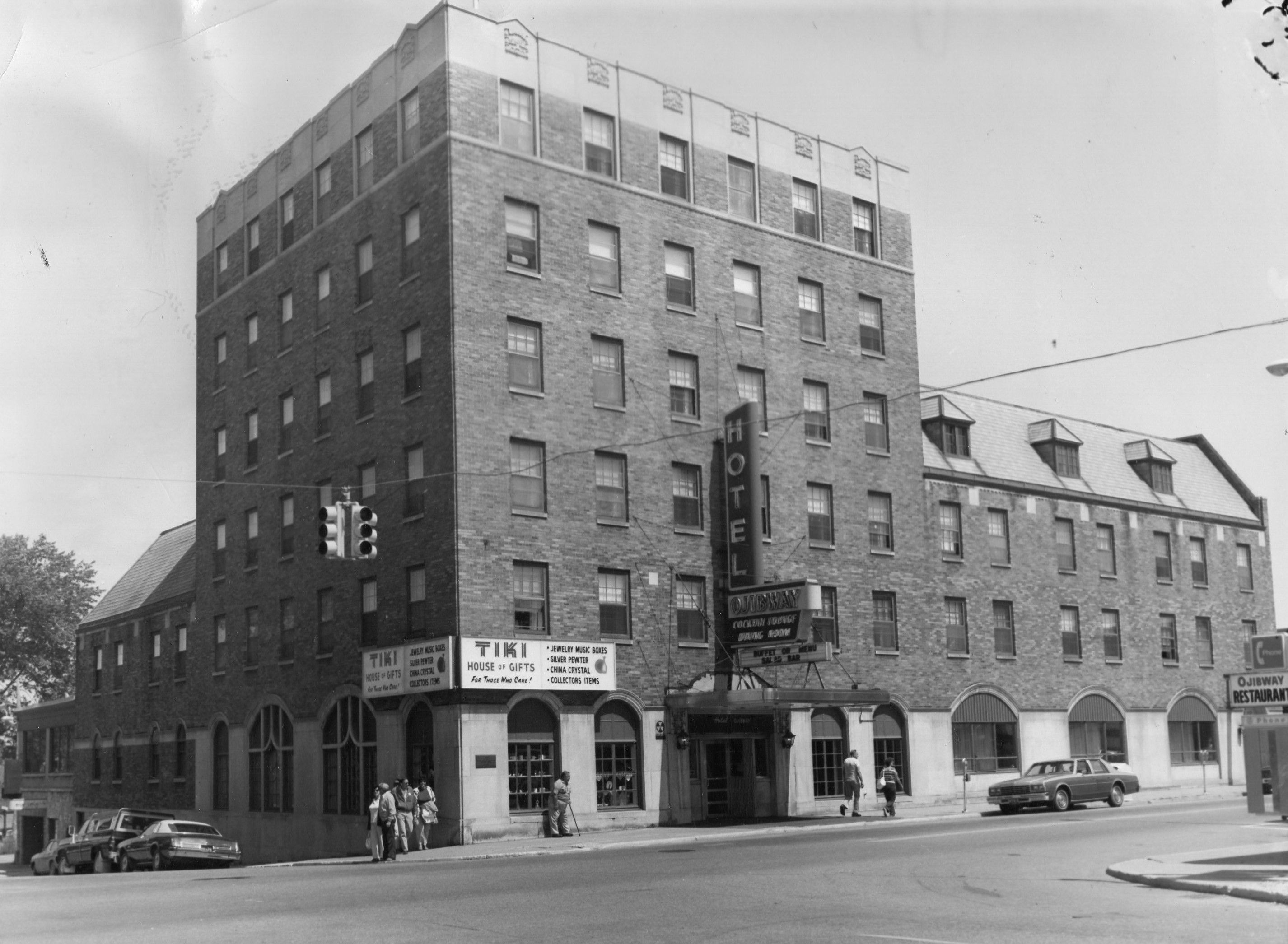 The Historic Ramada Plaza Ojibway Hotel Is Located In Downtown Sault Ste Marie Michigan Since New Year S Eve 1927 This Beautiful Property Has Been