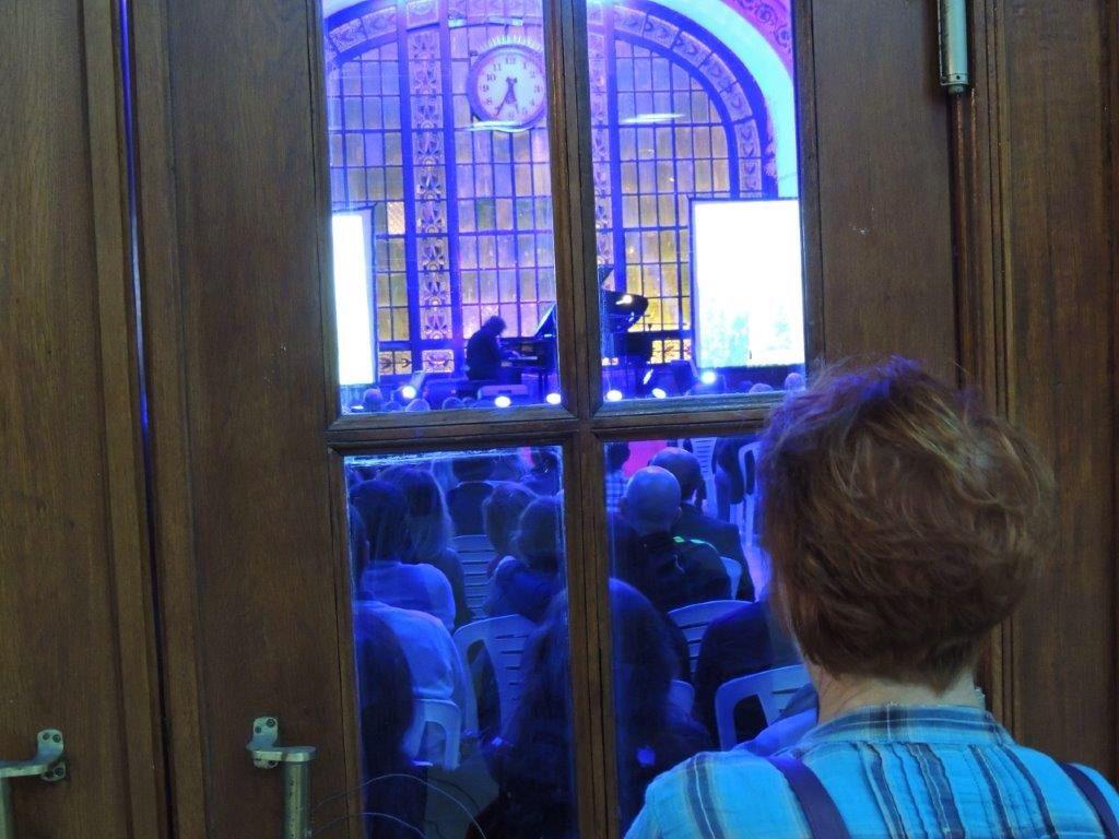 Tuluyhan Ugurlu konseri