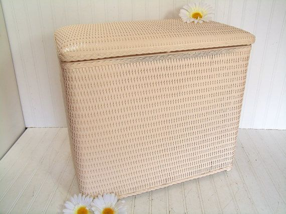 Retro Blush Pink Wicker Clothes Hamper With Padded Lid Seat