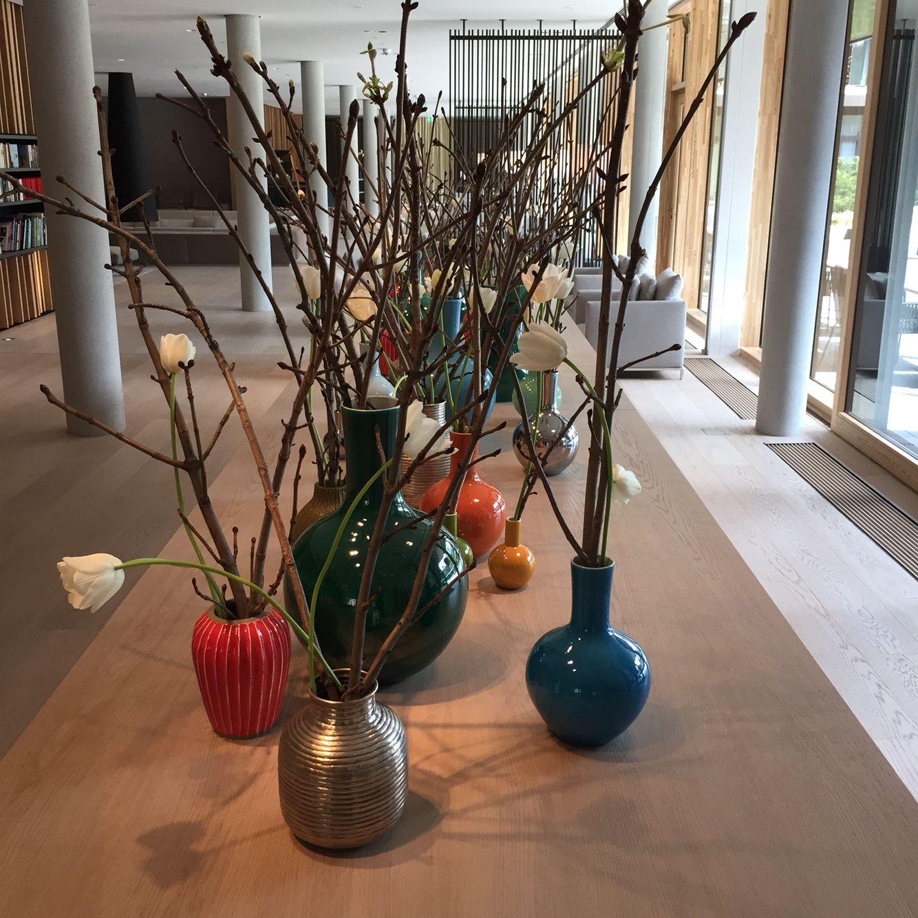 Die dekoration im raum der sch nen dinge im lanserhof tegernsee im m rz april 2015 mit - Alpen dekoration ...