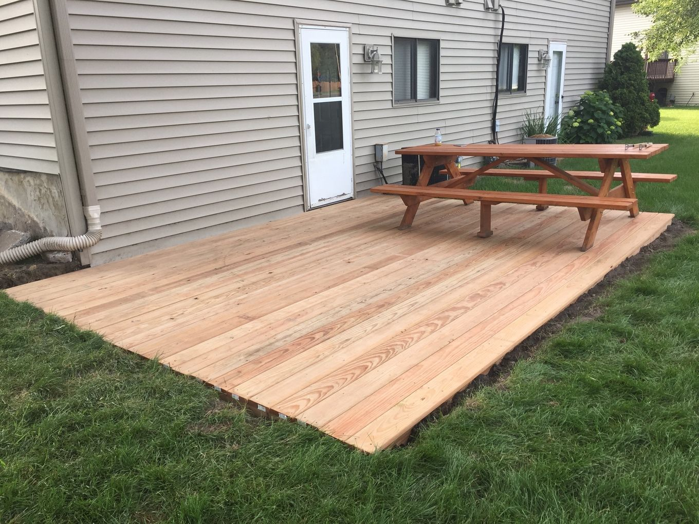 I built a ground-level deck in my back yard | Building a ...
