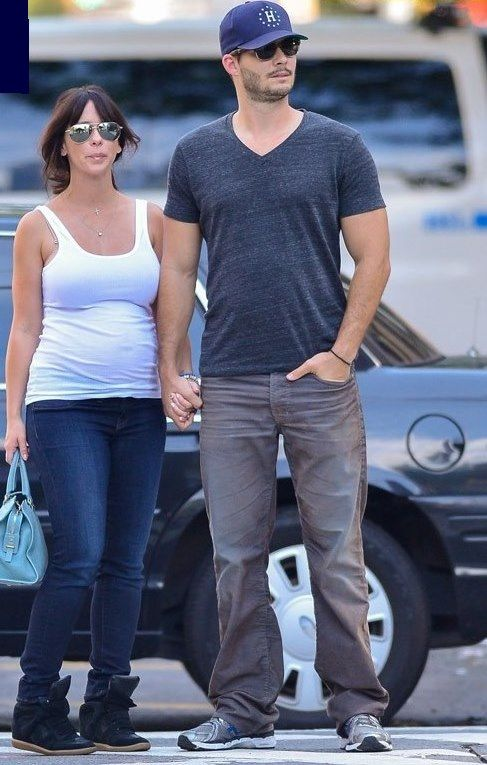 Jennifer Love Hewitt Brian Hallisay Welcome A Baby Girl