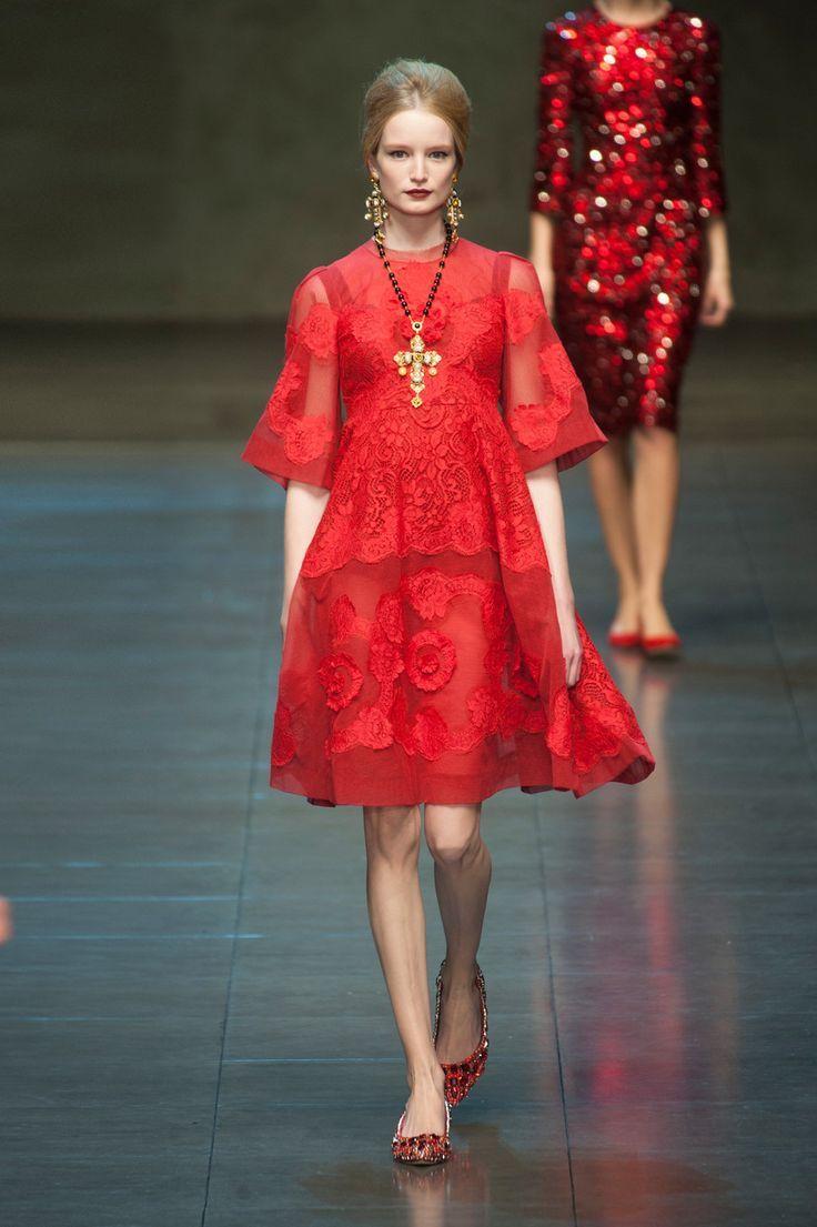 Dolce-Gabbana-FallWinter-2014-Chic-Red-Dress-Fashion-Wallpaper.jpg ...