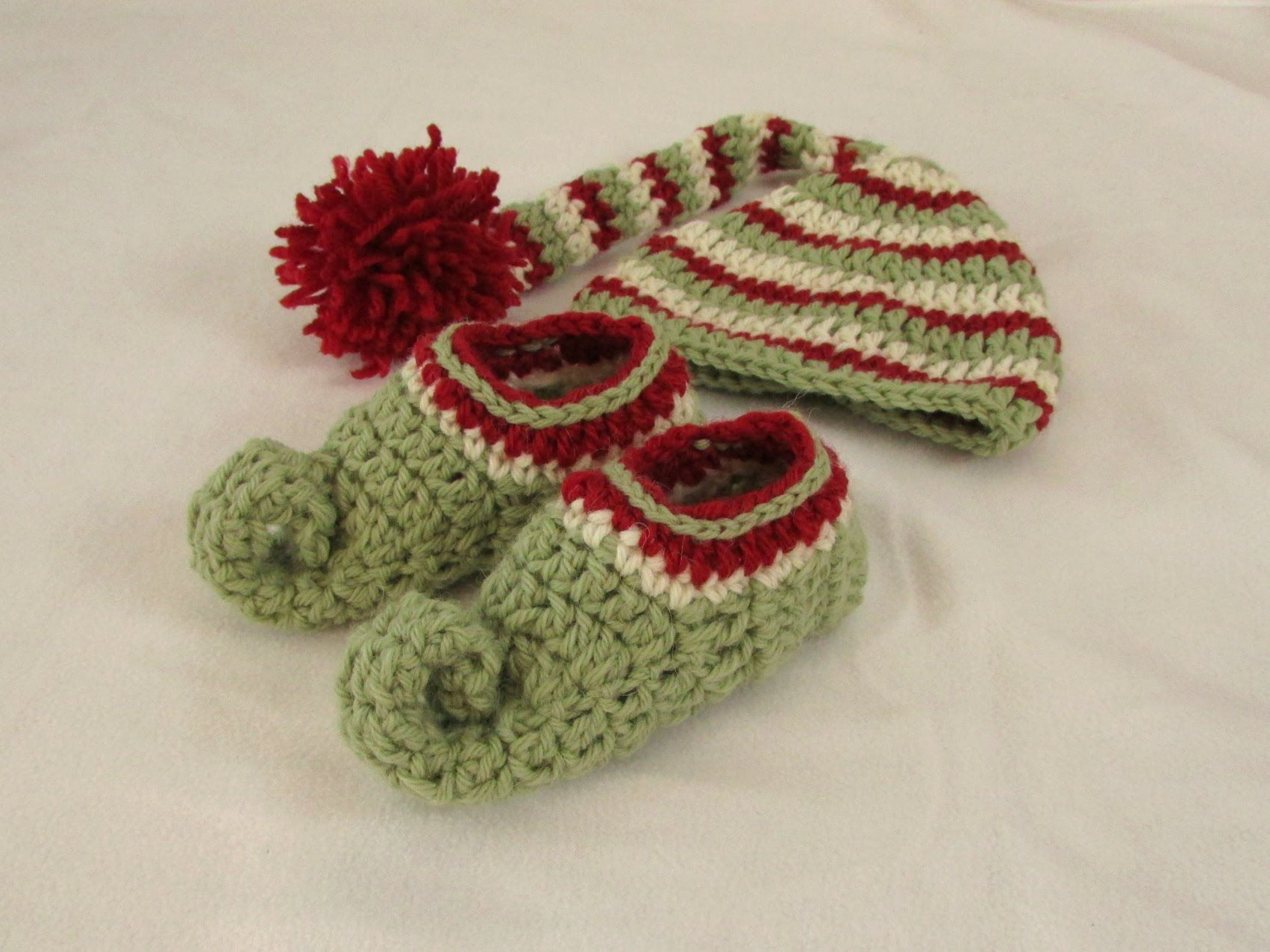 Matching elf slippers httpsyoututgpych5dysu this step by how to crochet childrens elf slippers boots shoes crochet christmas elf set part 2 bankloansurffo Image collections