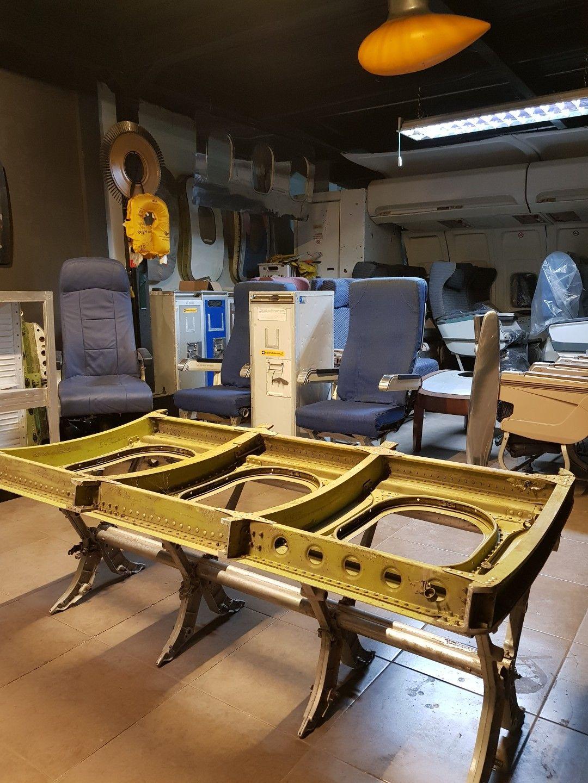 Pin oleh Aviation Art Indonesia di Explane Aviation Furniture
