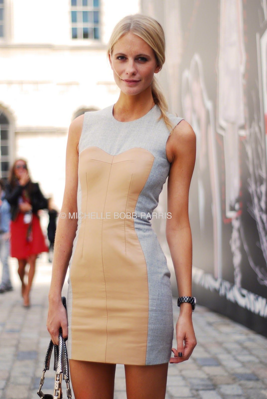 simple.eclectic.modern. usually not a fan of this sleek look for myself.. but i think i would try this!