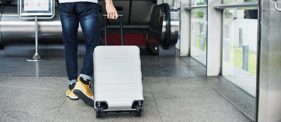 10 Best Luggage Trackers in 2020 [Buying Guide] - GearHungry #smartdevice