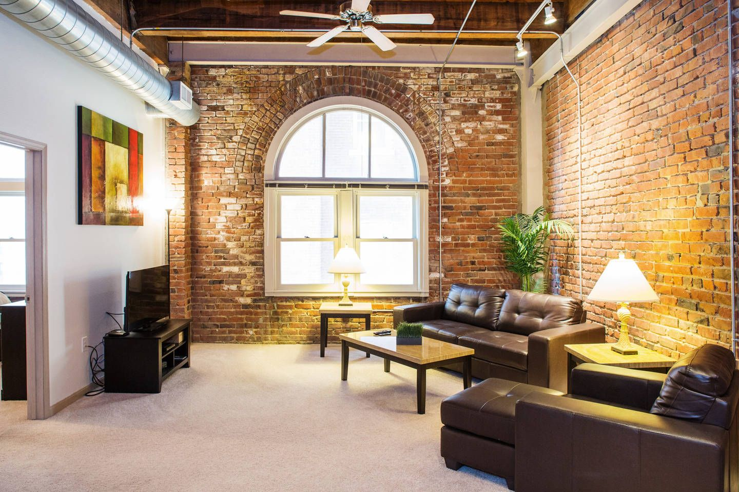 Execustay At Old Market Lofts 1 Br In Omaha Furnished Apartment Home Condo Rental