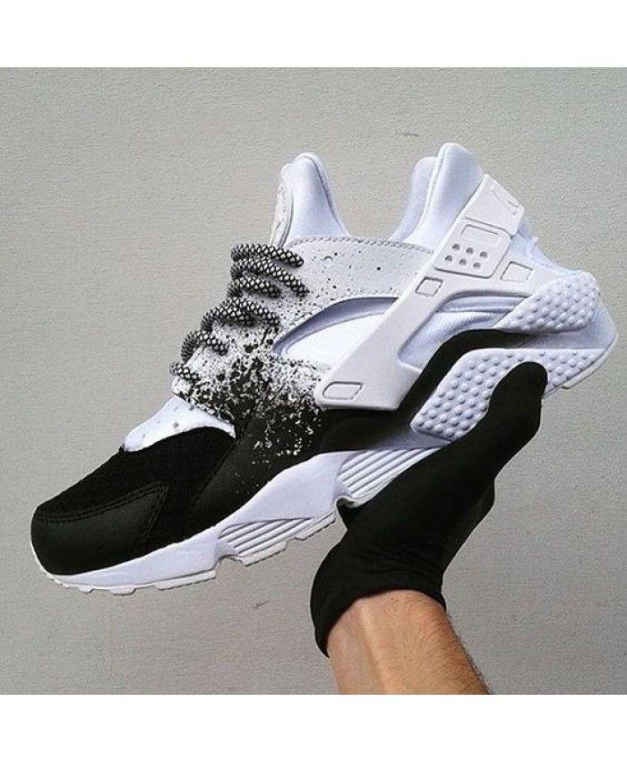 Nike Huarache Custom Black White Spray Painting Uk Sale Chaussures Nike Chaussure Chaussure Sport