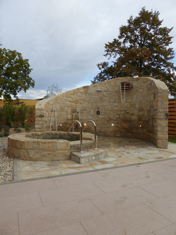 Aussendusche Mediterraner Garten Garten Gartengestaltung