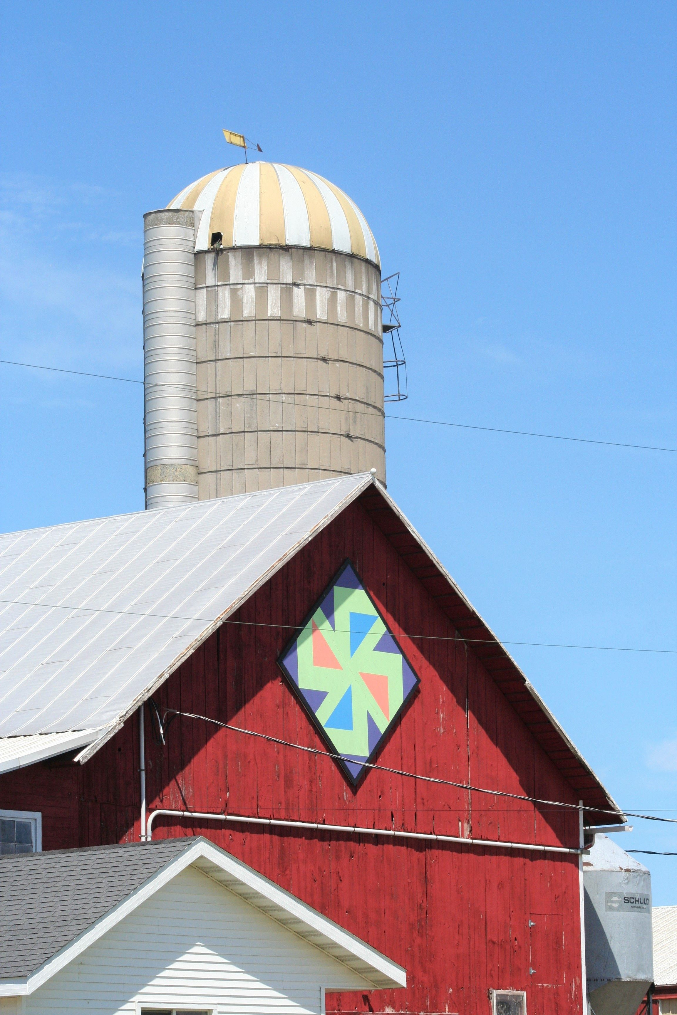 Farmer S Puzzle Barn Quilt On The Door County Wisconsin Quilt Trail Door County Wisconsin Barn Quilt House Styles