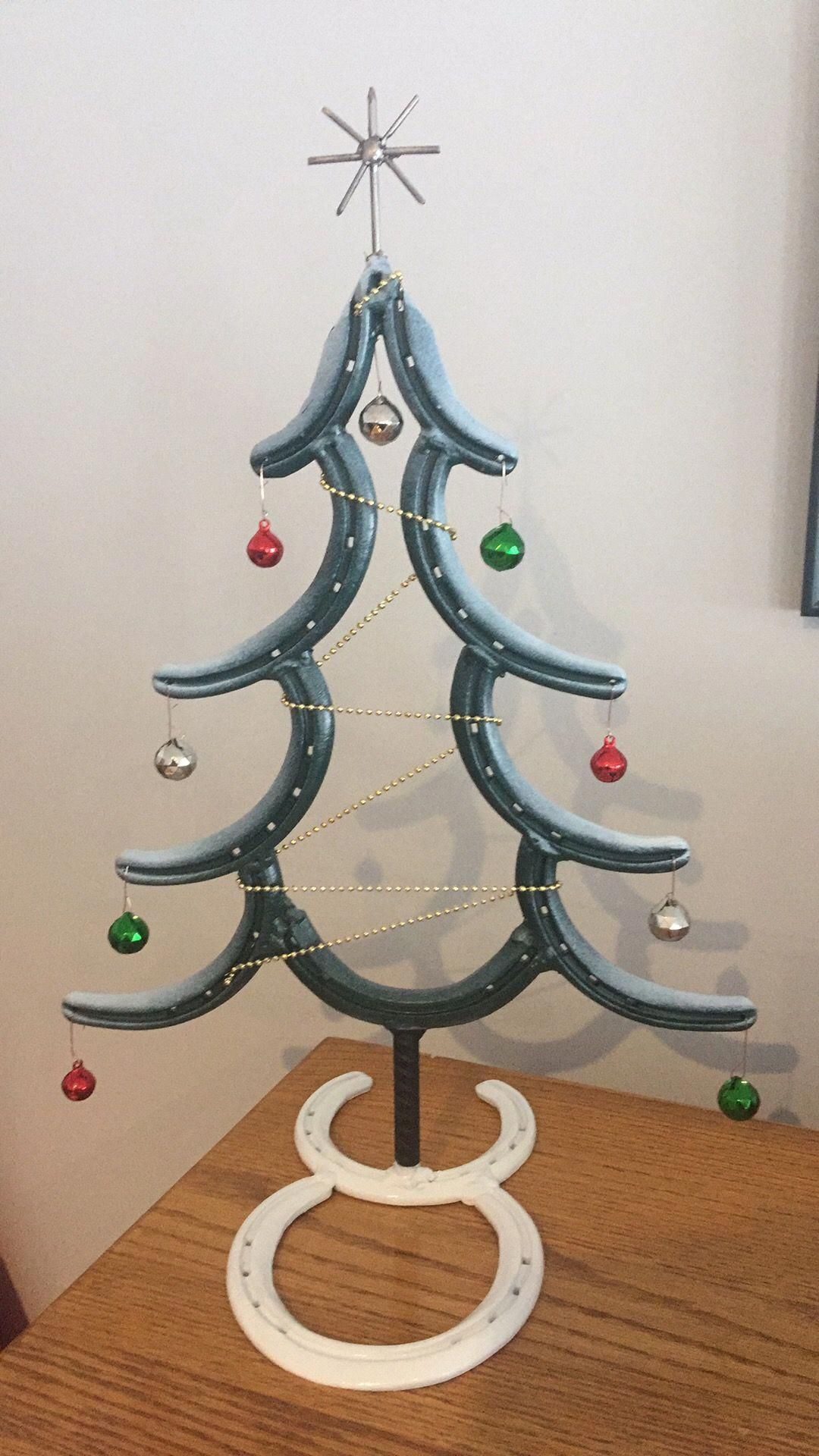 Christmas Tree Horseshoe Decor Christmas Tree Horseshoes Check Out Our Web Site For Even More Relevant Info Metal Tree Wall Art Tree Wall Art Diy Metal Tree