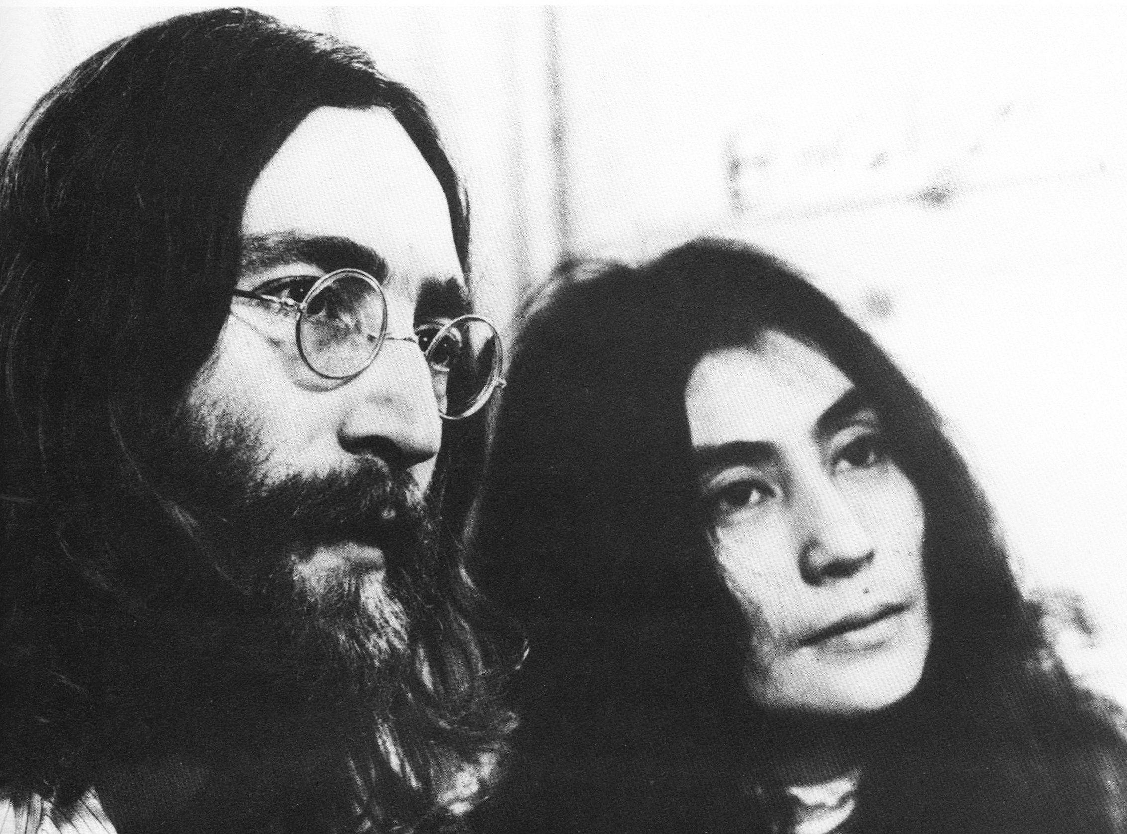John Lennon & Yoko Ono John lennon beatles, John lennon