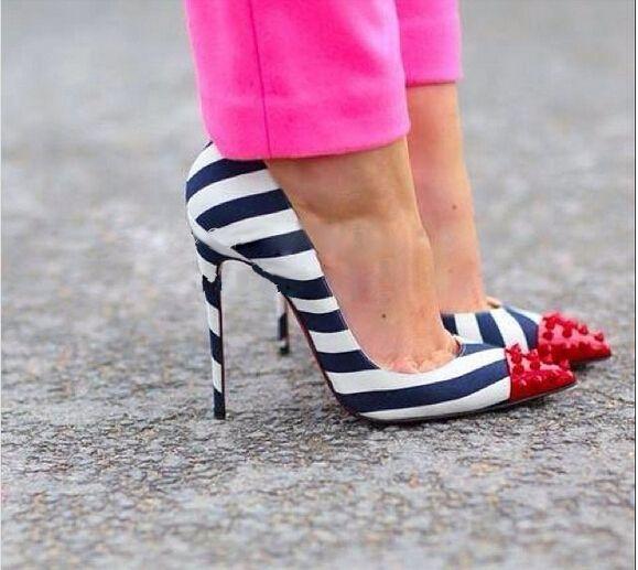 Aliexpress.com'da Western Style Boutique üzerinden Yüksek Kalitetede kadın pompaları,2015 yeni moda çizgili ayakkabı kadın Rita ora çivili kırmızı cap toe çizgili pompaları perçinler sivri burunlu parti pompaları ücretsiz nakliye hakkında daha fazla kadın pompaları bilgi elde edin.