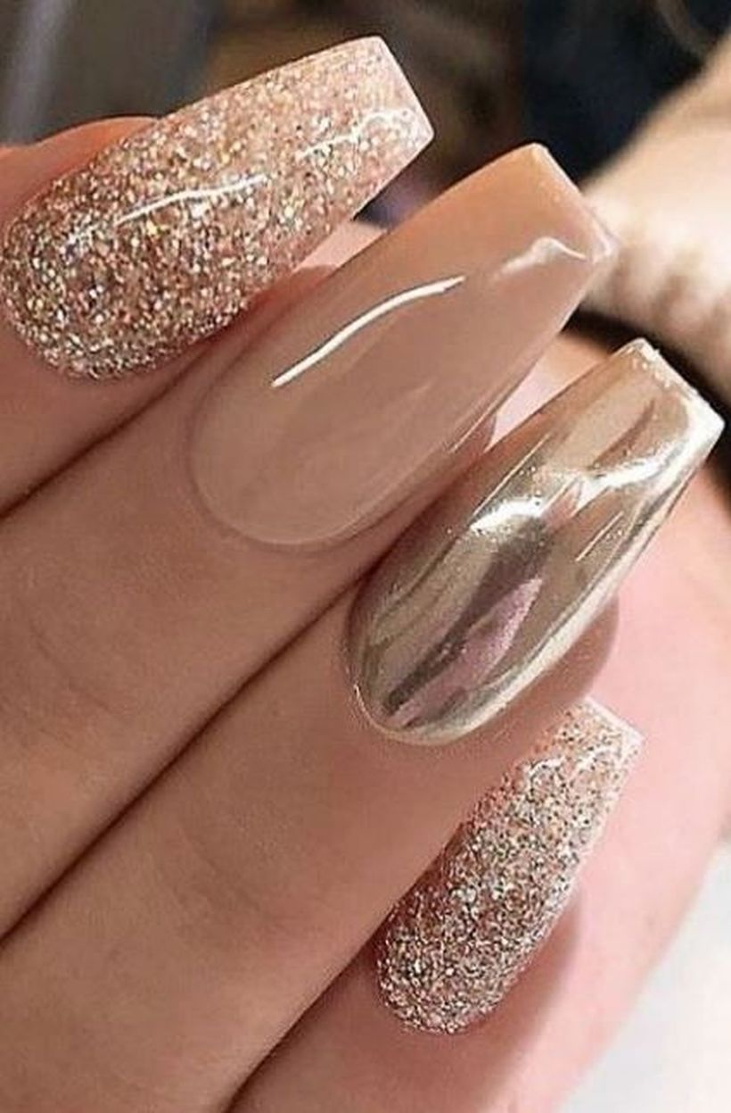 62 Pretty Fall Nail Art To Upgrade Your Style Nails Design With Rhinestones Metallic Nails Metallic Nails Design