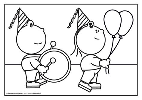 Frokkie En Lola Vieren Feest Met Trom En Ballonnen Omdat