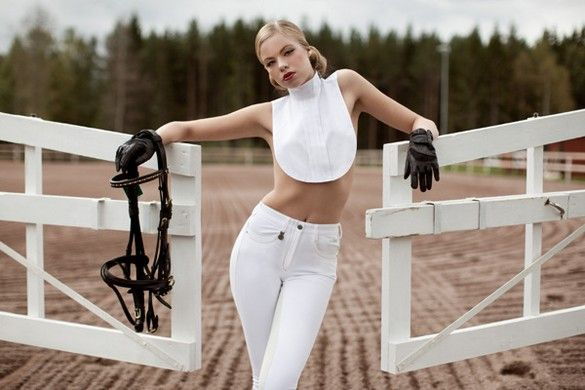 girls equestrian sexy in