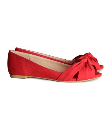 Peep toe flats, Peep toe shoes